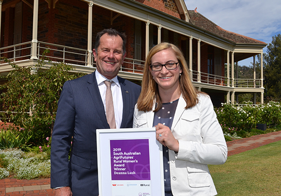 2019 Rural Women's Award winner Deanna Lush (R) with Minister Whetstone